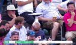 Nickerchen beim Cricket Match