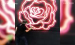 Lustiges Video : Neon Signs Graffiti